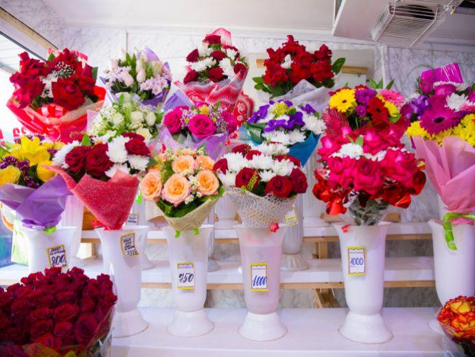 Цветочные, цветы оптом в подольске возле 1000 мелочей